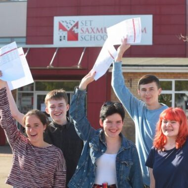 STUDENTS CELEBRATE GCSE RESULTS AT BECCLES, SAXMUNDHAM AND IXWORTH FREE SCHOOLS
